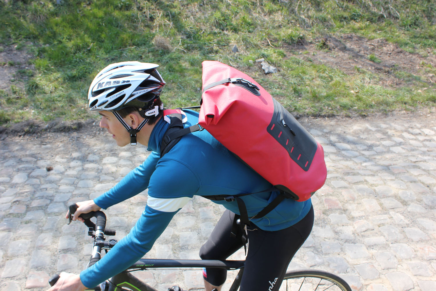 As a cyclist you might not have come across SealLine products before. This  Seattle-based company offers a range of dry bags, dry sacks, dry pack, ... 5a1627111b
